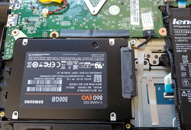 Einbau einer zusätzlichen SSD Festplatte in ein Lenovo Yoga 300-11IBY deaktiviert internen Flash-Speicher