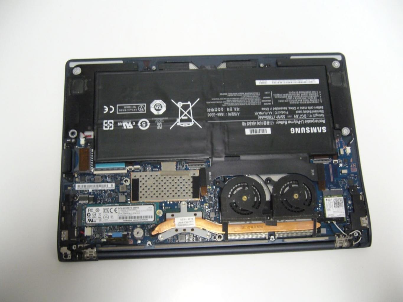 Samsung NP940X3G zerlegt