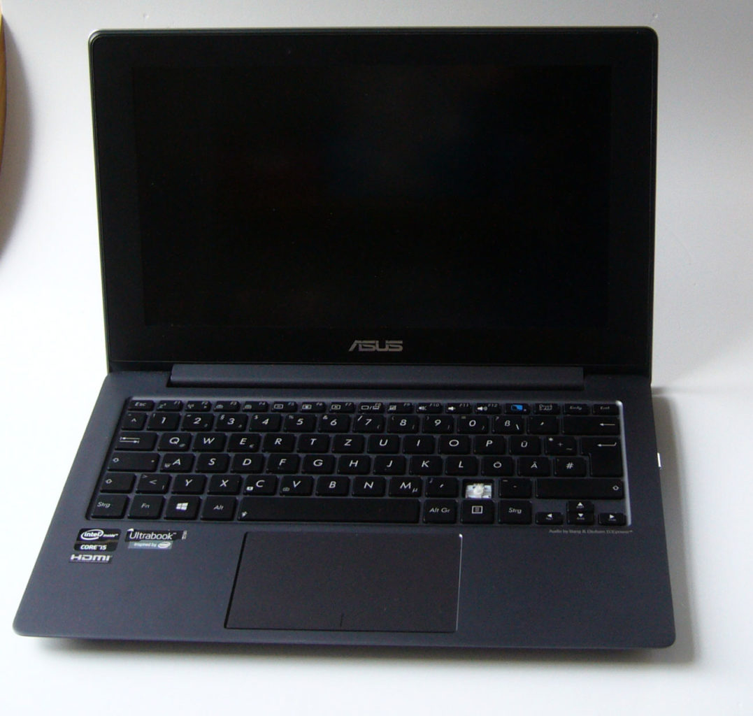 ASUS Taichi Frontansicht