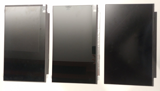 Drei Notebook-Displays die auf den ersten Blick identisch sind. Bei genauerem Hinsehen erkennt man aber unterschiedliche Stärken bei den Displayeinfassungen.