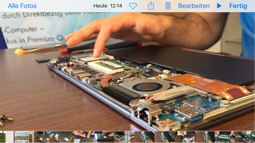 Toshiba Portege Z830 mit geöffnetem Bottom Case