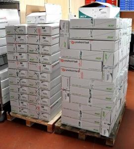 Anlieferung mehrer Paletten Acer Notebooks für Service