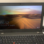 Notebook Displayfehler: Im Akkubetrieb ist die linke Displayseite dunkler und flackert.