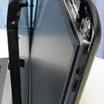 Notebook Display Systemwechsel. Beim Medion Akoya sind der Touchscreen und das Display getrennte Einheiten.