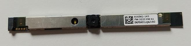 Montebook Mikrofon defekt: Die neue Webcam/Mikrofonplatine liegt zum Einbau bereit.