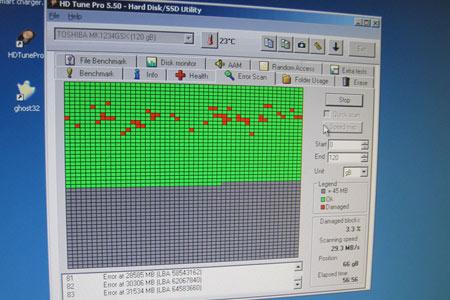 Bildschirmansicht vom Error Scan des HD Tune Pro 5.50 Hard/Disk SSD Utility zeigt viele defekte Sektoren